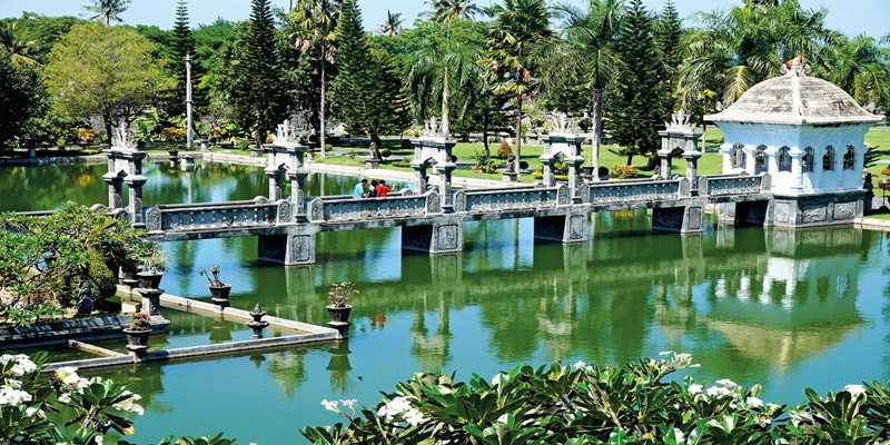 Visit Lempuyang Temple