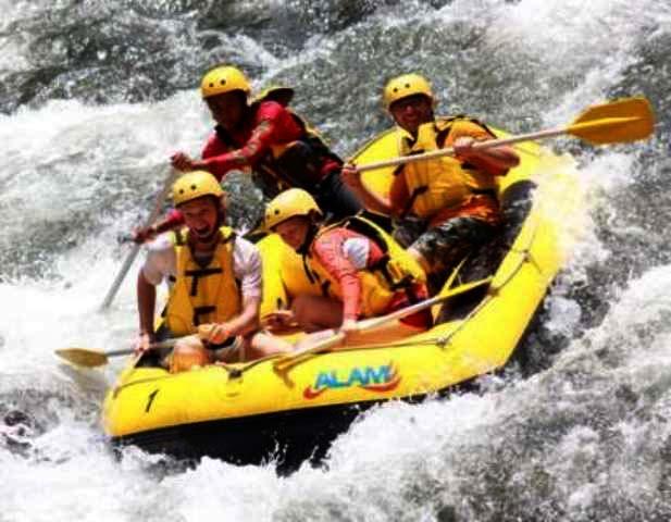 Telaga Waja Rafting and Besakih Tour